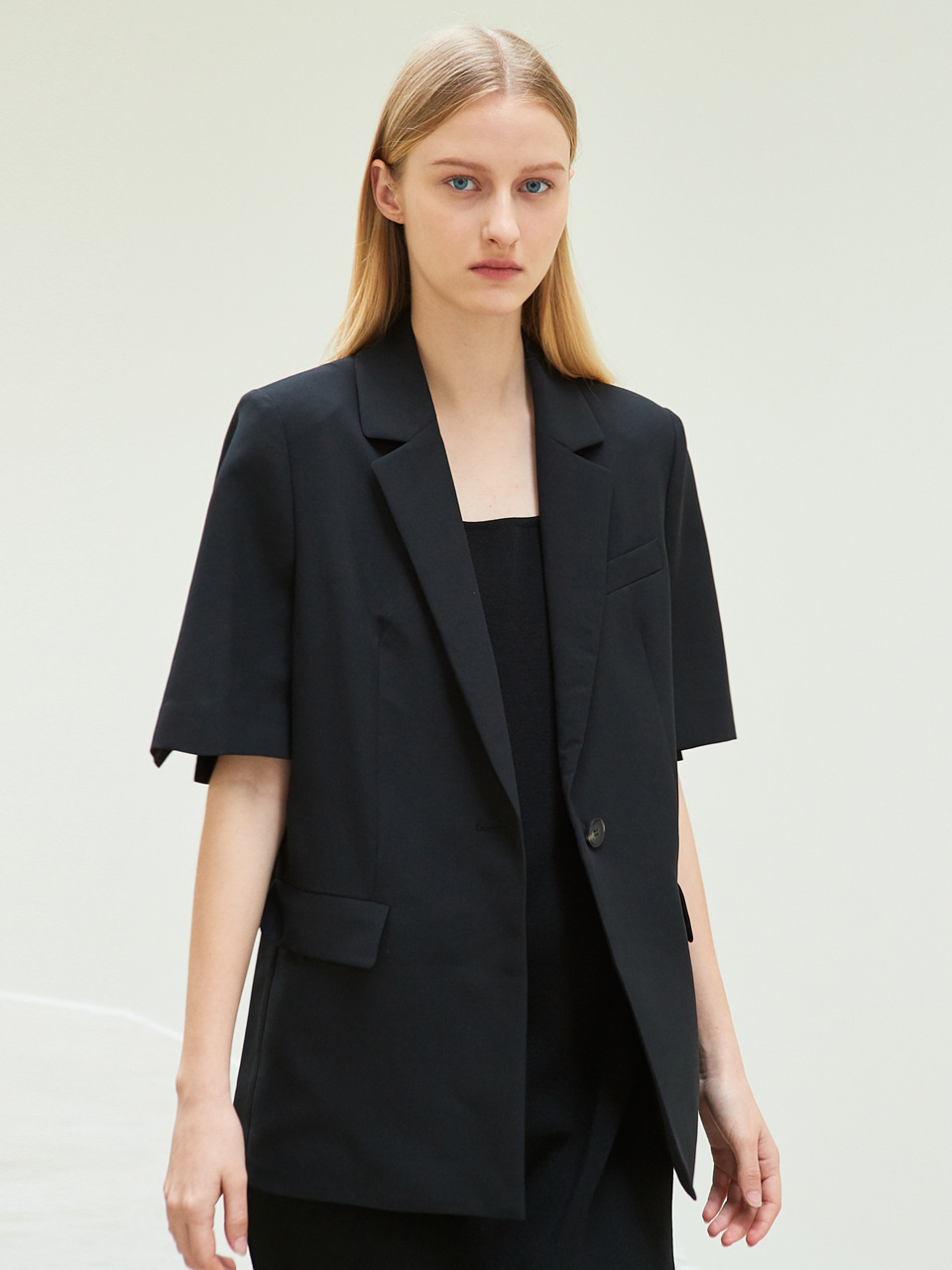 half sleeve slit jacket (black)