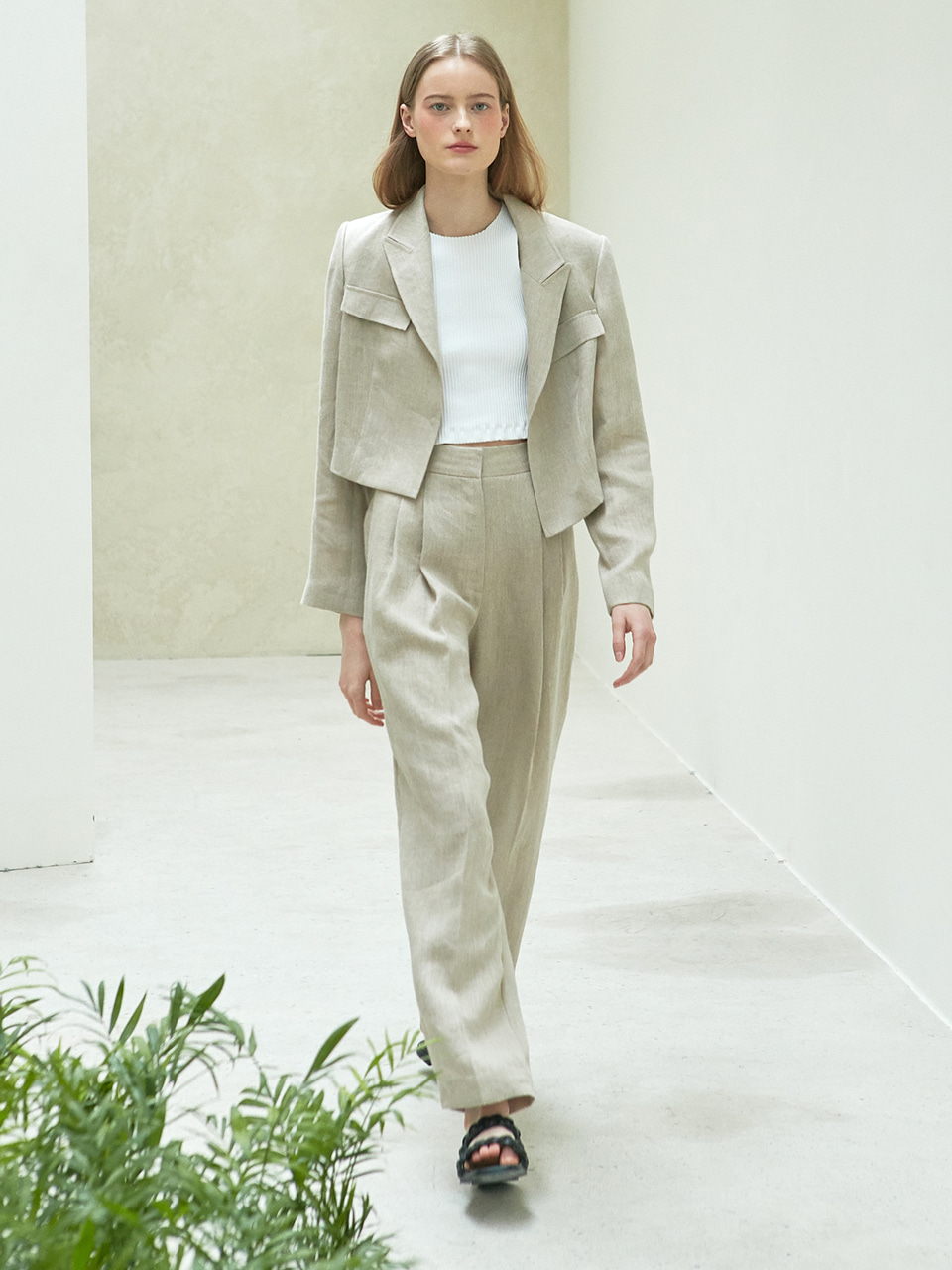 [SET] linen crop jacket + linen pintuck pants (beige)
