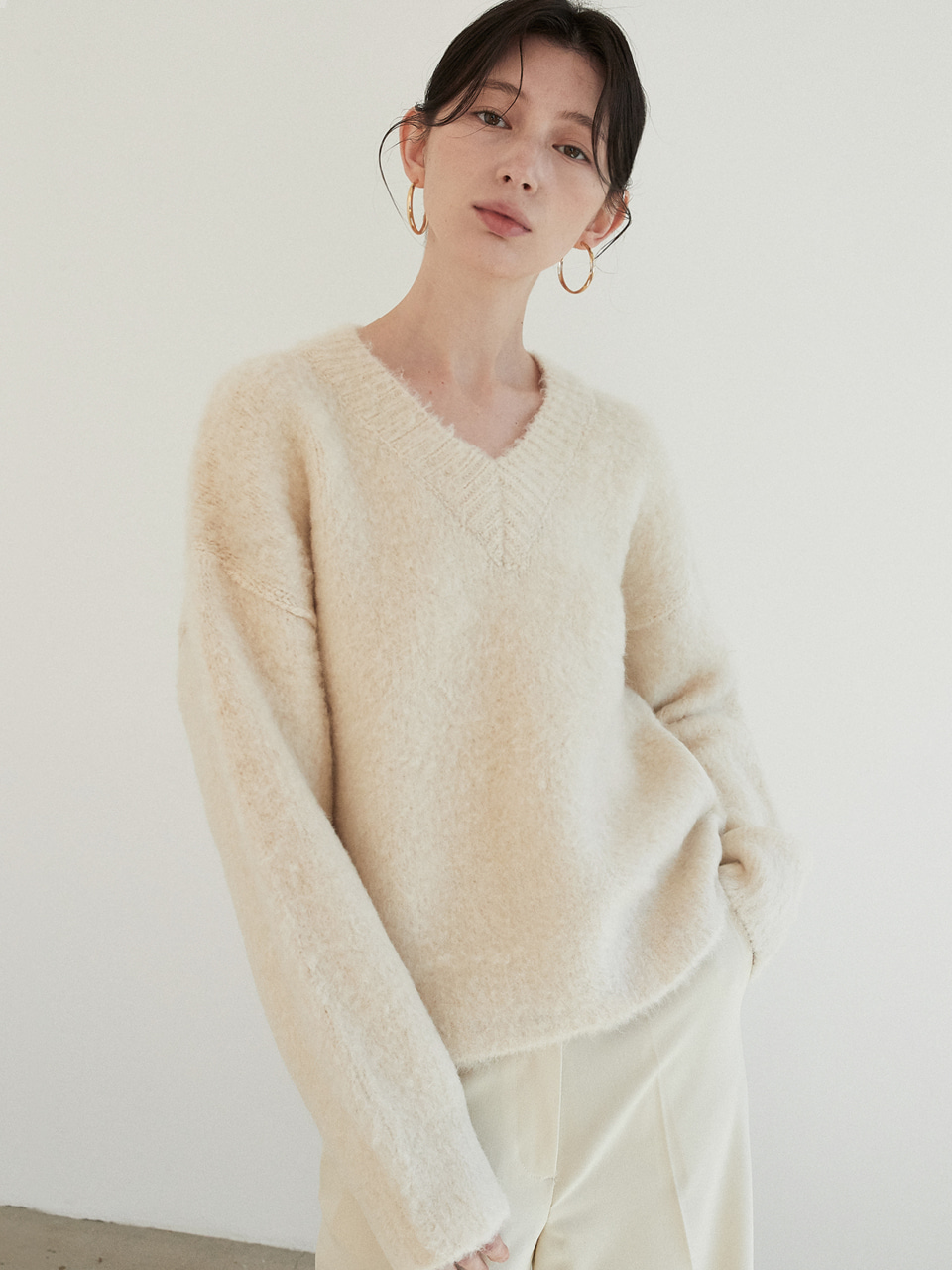 wool bubble v neck knit (cream)